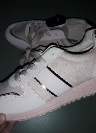 Женские кроссовки жіночі кросівки