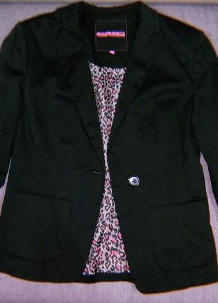 Пиджак с яркой подкладкой generation