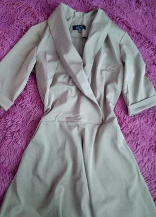 Платье джоанна м1 от jadone fashion, цвет бежевый