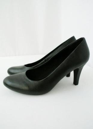 Стильные модные изящные туфли giuliana на каблуке.  размер 5/38