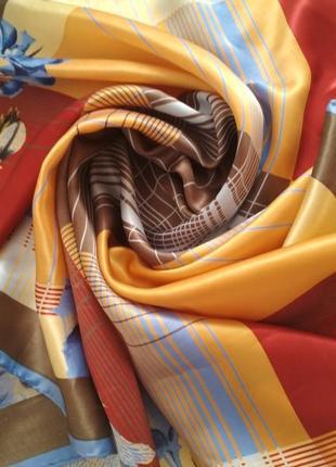 Фирменный шелковый платок