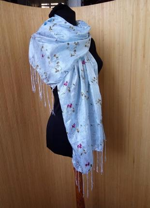 Нежно голубой шарф палантин с вышивкой3