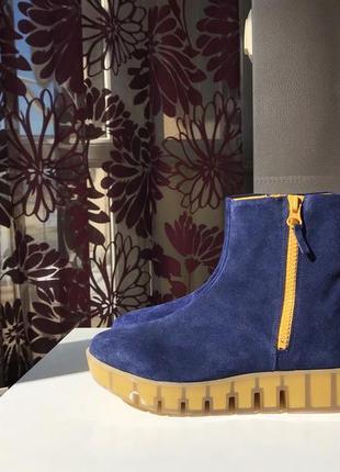 Замшевые ботинки / полуботинки на необычной подошве, натуральная замша