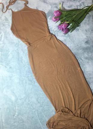 Длинное платье макси от prettylittlething