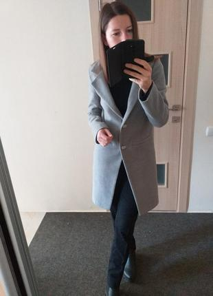 Стильное шерстяное пепельное пальто шерсть ангора пепельного цвета2 фото