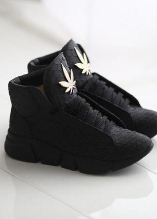 Кожаные кроссовки yarose shulzhenko