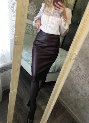Бордовая юбка кожзам m&s