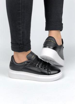 Шикарные женские кроссовки mcqueen в черном цвете из кожи