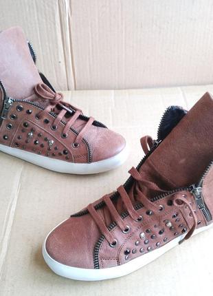 Стильные новые полностью кожаные сникерсы стильные кеды ботиночки lola cruz (испания)