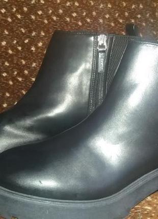 Ботинки,черевики от bershka