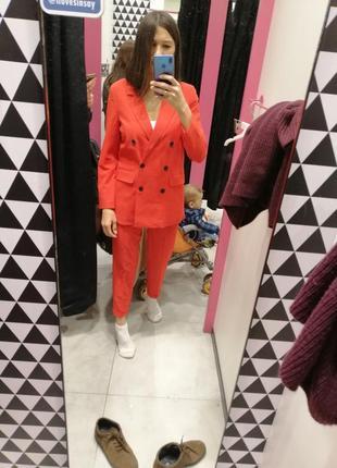 Красный брючный костюм скидка только 3 дня!!!!!3 фото
