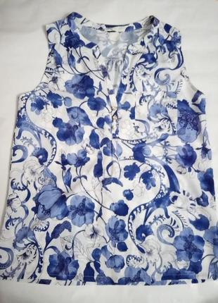 Красивая блуза в цветы  без рукав