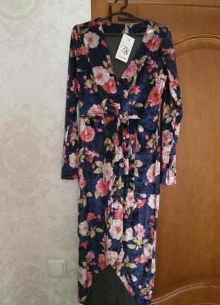 Красивое бархатное платье!
