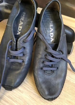 Очень крутые кожаные мокасины кроссовки 39 размер
