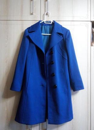 Синее демисезонное женское пальто на весну или осень