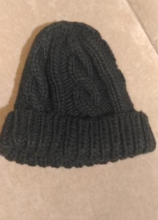 Вязаная шапка  чёрного цвета размер 56-57