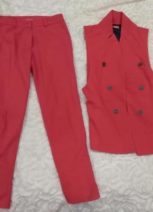 Костюм брюки и жилетка на подкладе