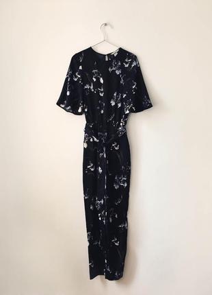 Женственный комбинезон в ирисах h&m черный комбез брюками с цветочным принтом ирисы4 фото