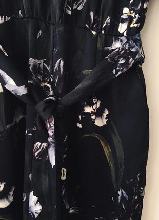 Женственный комбинезон в ирисах h&m черный комбез брюками с цветочным принтом ирисы6 фото