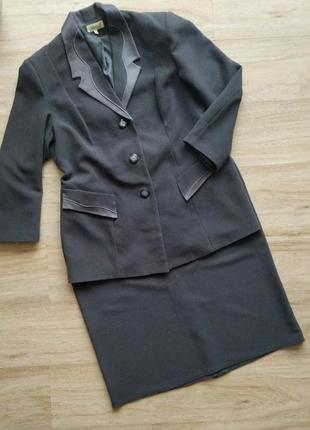 Xxl-xxxl 56р  женский серый костюм,пиджак и юбка
