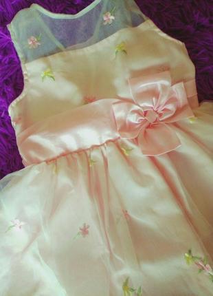 Красивое пышное праздничное выпускное платье с вышивкой на 5-6лет