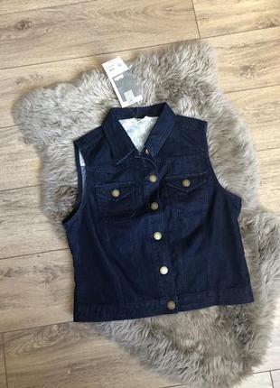 Стильный джинсовый жилет