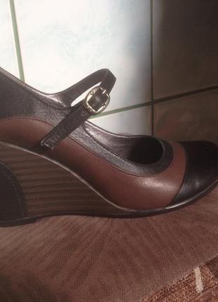 Шкіряні туфлі нові