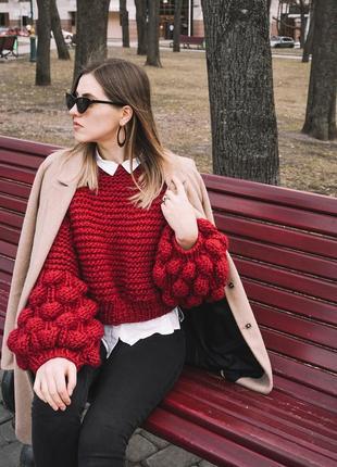 Вязаный свитер over size. женский свитер крупной вязки. объемный свитер «малинки»