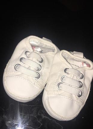 Детские пинетки h&m мокасины ( кеды, кроссовки )