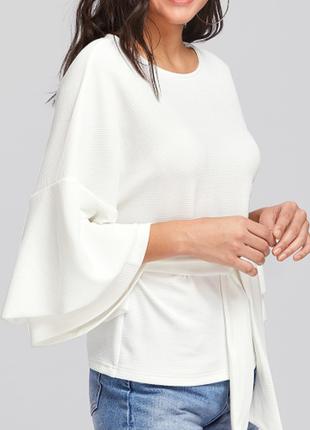 Красивенная белая блуза с рукавами-воланами