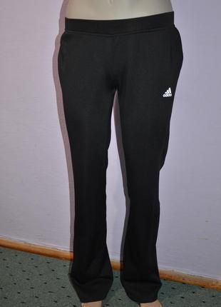Спортивные черные штаны adidas!