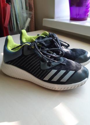 Фирменные кроссовки adidas р-р30(18.5см)оригинал