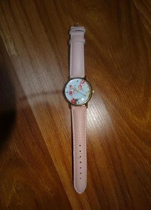 Часы весенние цветочные