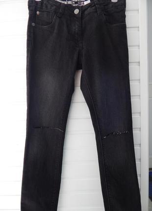 Детские джинсы с рваными коленками pepperts