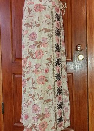 Шикарная юбка вышитая бисером.