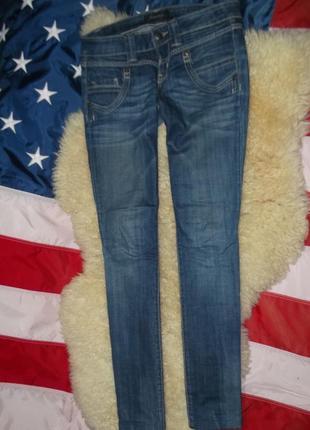 Брендовые джинсы скинни