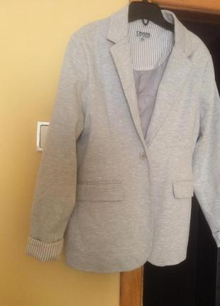 Стильный брендовый пиджак lucid l трикотажный серый