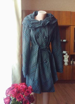 Очень красивое,оригинальное пальто клетка