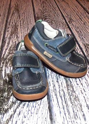Кожаные туфли clarks для мальчика , размер 5