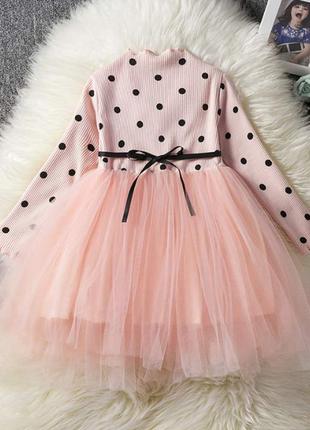 Новое нежное и красивое детское платье