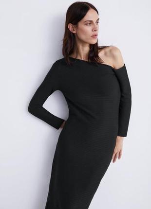 Асимметричное структурное платье на одно плечо от zara