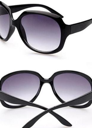 Очки солнцезащитные, стильные черные3 фото