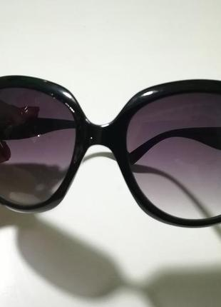 Очки солнцезащитные, стильные черные4 фото