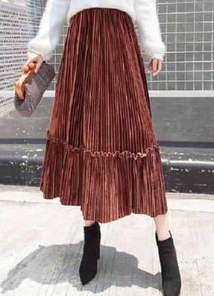 Женская плиссированная длинная юбка бархатная с рюшами кирпичная