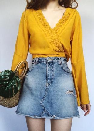 Крутая стильная джинсовая юбка с порезами на высокой посадке от miss selfridge6 фото