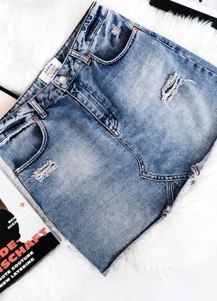 Крутая стильная джинсовая юбка с порезами на высокой посадке от miss selfridge8 фото