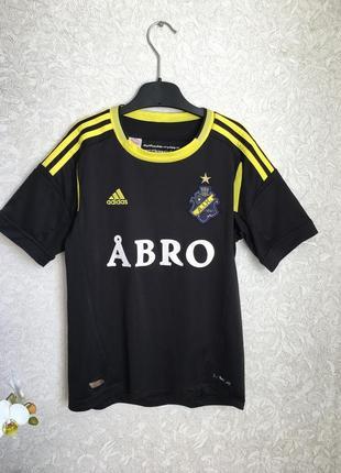 Футбольная футболка на мальчика 9-10 лет