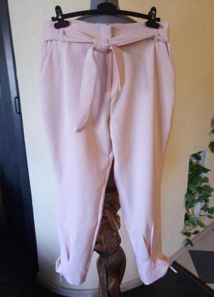 Пудровые брюки на завязках