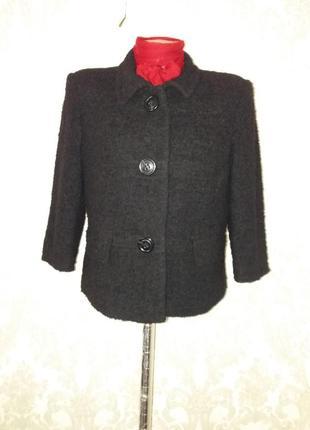 Невероятно красивое пальто с четвертным рукавом