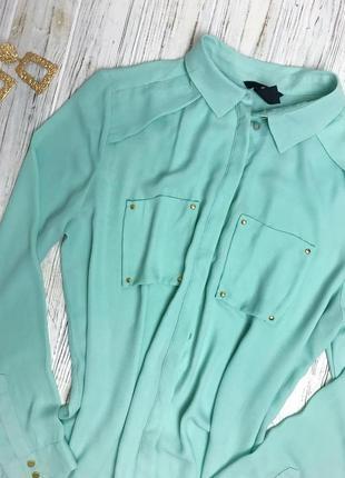 Блузочка с замочками на рукавах